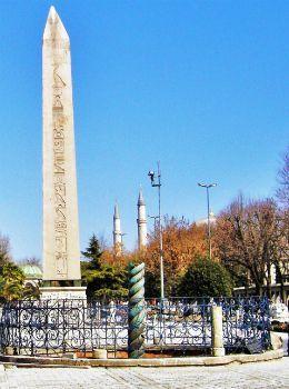 sultanahmet-column-obelisk