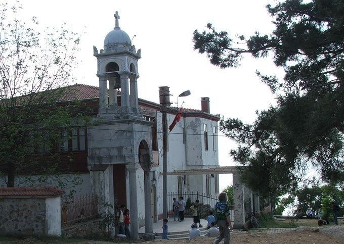 büyükada-hagia-yorgi-prince-islands-istanbul