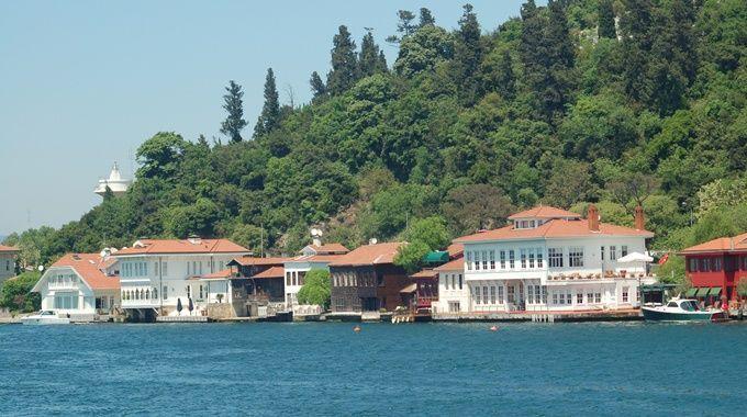 bosphorus-mansion-seaside
