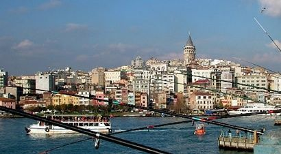 istanbul-fishing-fish-and-bread