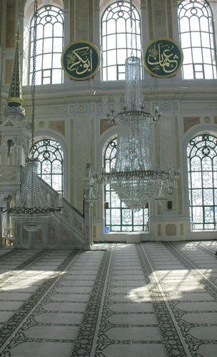 interior-ortakoy-mosque-istanbul