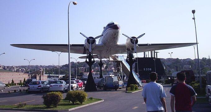 istanbul-rahmi-koc-musem-plane