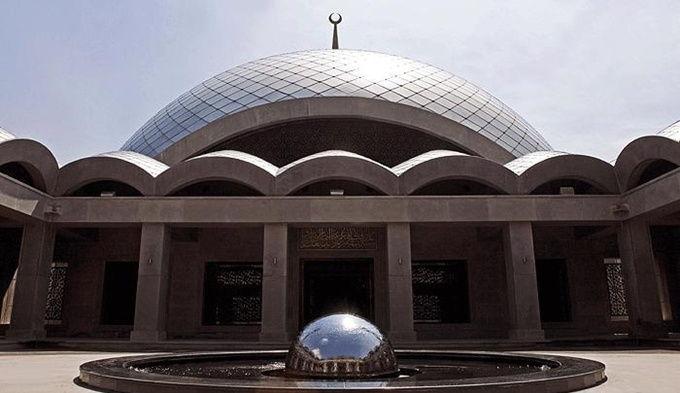 sakirin-mosque-fountain