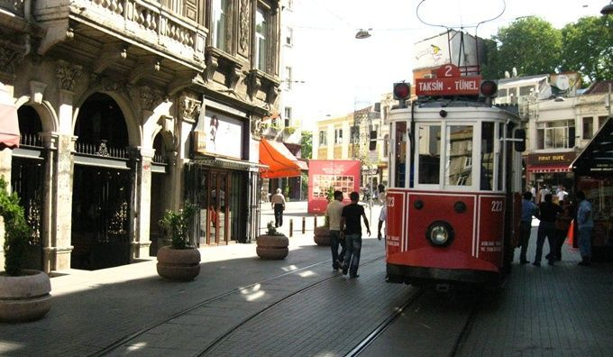 tunel-tram-taksim-istanbul-beyoglu