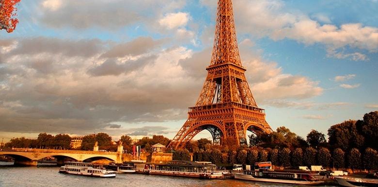 Paris Gezisi