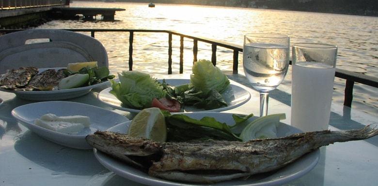 Ayrılmaz İkili Rakı ve Balık