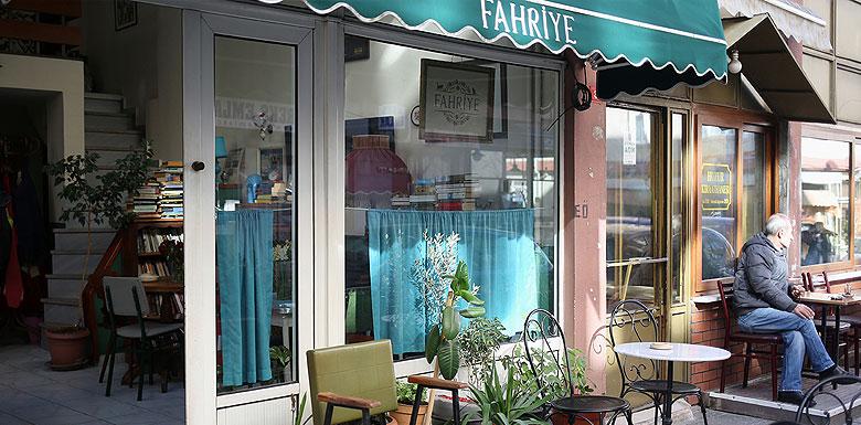 fahriye cafe moda