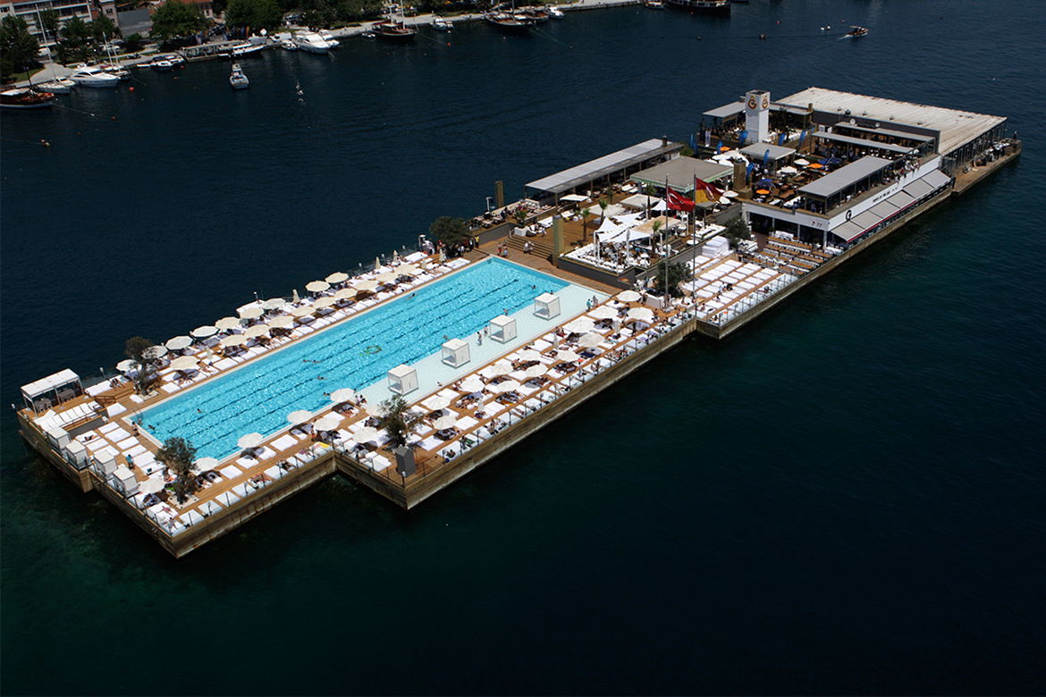 Pool in the middle of the Bosphorus