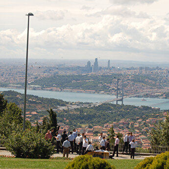 Bosphorus Cruise & Dolmabahçe Palace with Asian Side visit