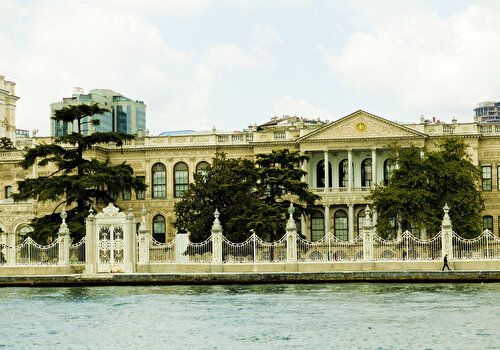 Dolmabahçe Palace & Cruise on Bosphorus with Küçüksu Palace